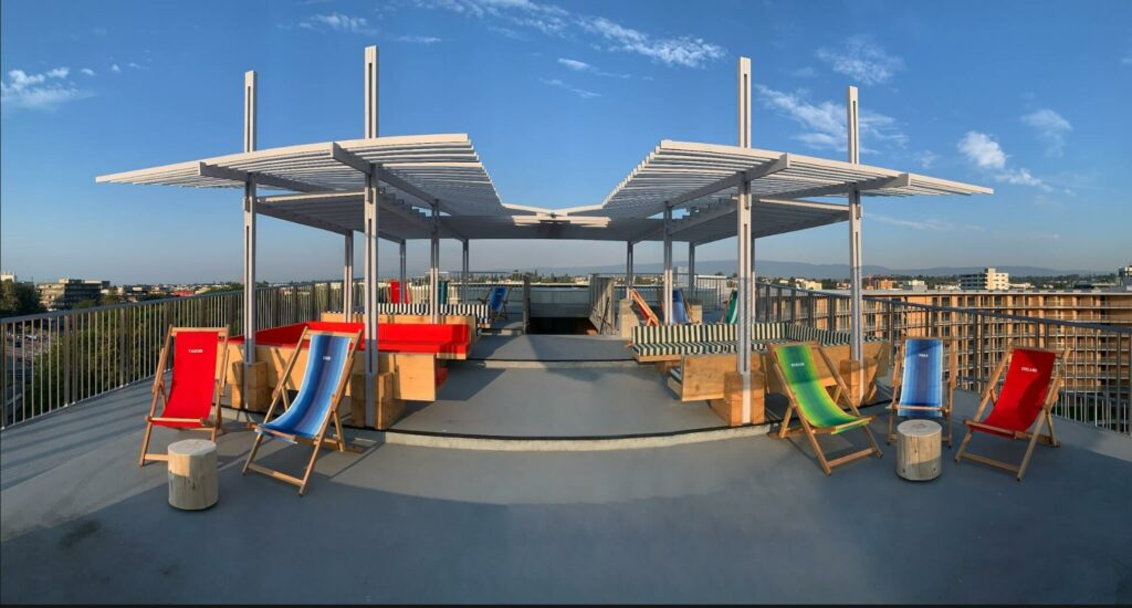 the architecture of the pergola can fly with designed wings