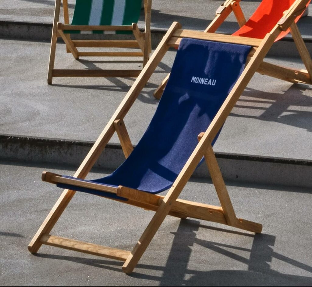 Each deck chair has its own design and a different color